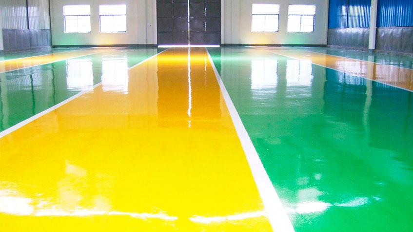 Señalización de pavimentos industriales con pintura Epoxi