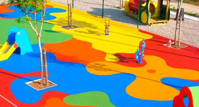 Tipos de elementos de seguridad para parques infantiles